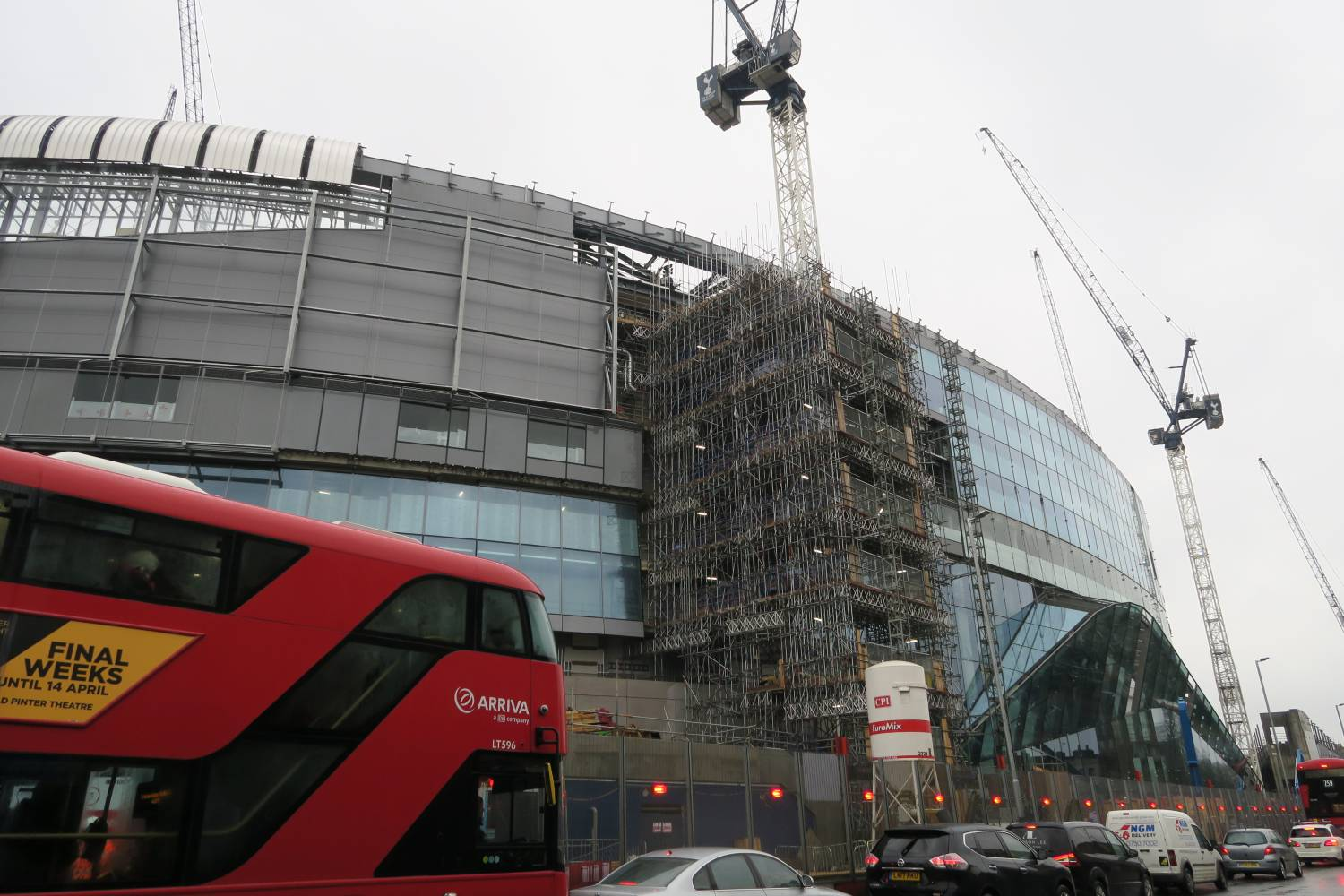 Construction and London Bus New Spurs Stadium